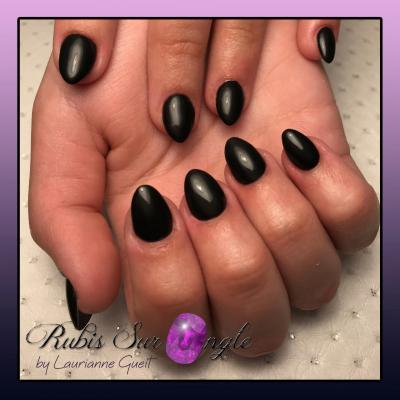 Rubis Sur Ongle Nail Art Noir