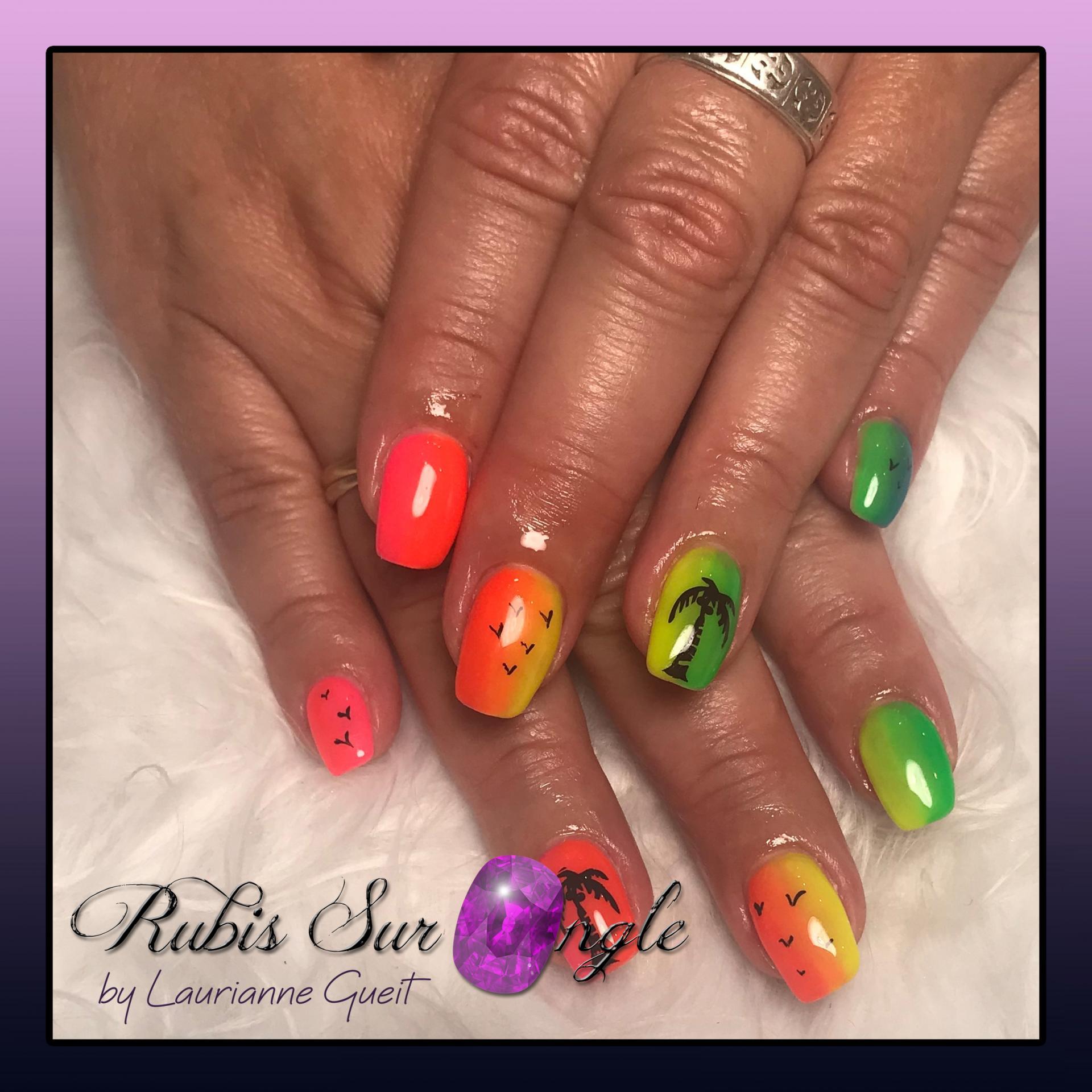 Rubis-Sur-Ongle-Nail-Art-Degrade-Palmier