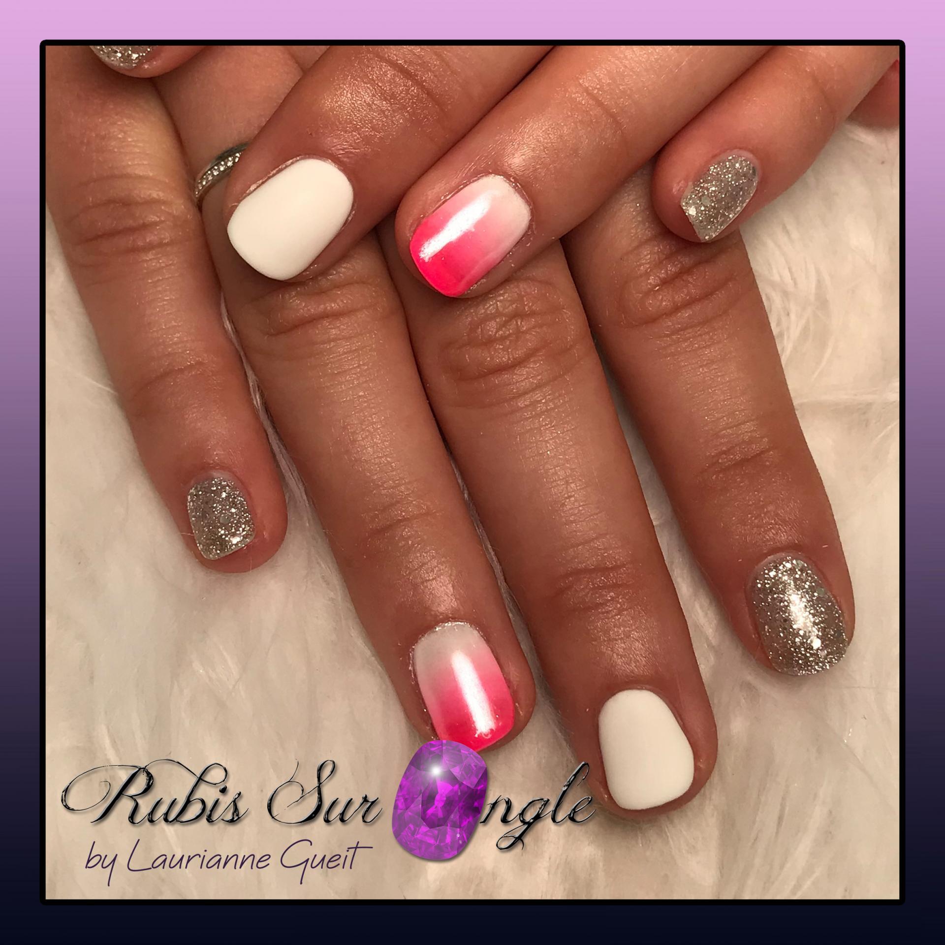Rubis-Sur-Ongle-Nail-Art-Degrade-Rose-Blanc-Argente