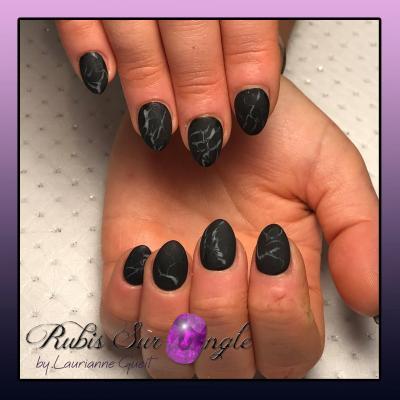 Rubis-Sur-Ongle-Nail-Art-Effet-Marbre