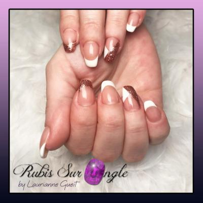 Rubis-sur-ongle-Nail-art-french-rose-gold